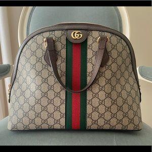 Gucci GG Supreme Ophidia shoulder bag like new 💕